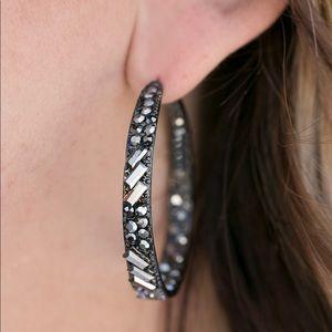 Paparazzi Black Earrings